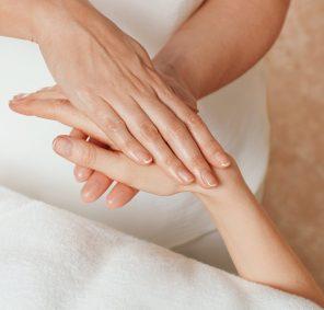 ESPA Pure indulgance manicure